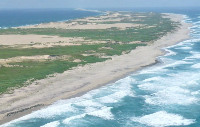 """Hòn đảo huyền bí này được mệnh danh là """"nghĩa địa của Đại Tây Dương"""""""