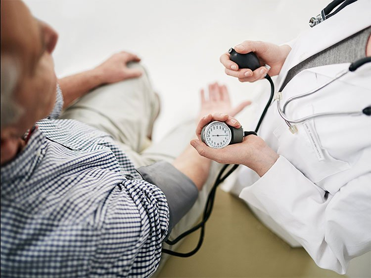 Huyết áp cao làm tăng 45% nguy cơ mất trí nhớ ở tuổi trung niên