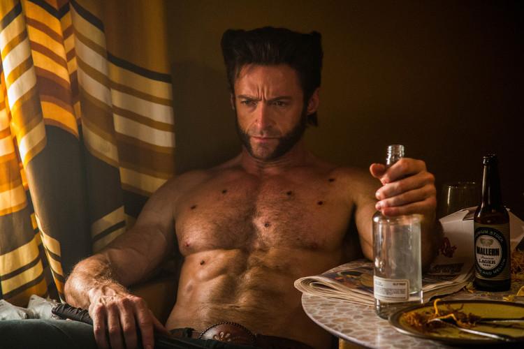 Khả năng tự phục hồi vết thương của Logan là có thực, nhưng không quá đà như trong phim