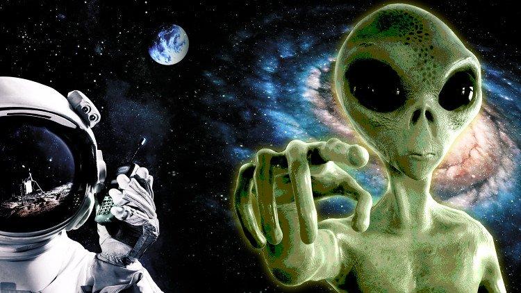 Khái niệm về người ngoài hành tinh có từ khi nào?