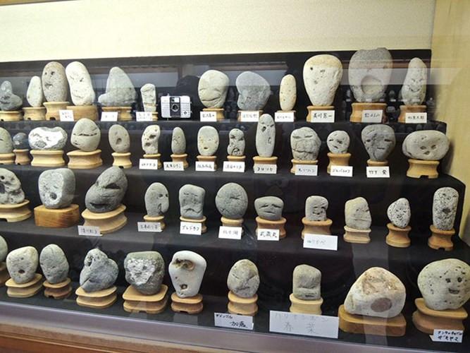 Khám phá bảo tàng đá mặt người có một không hai trên thế giới