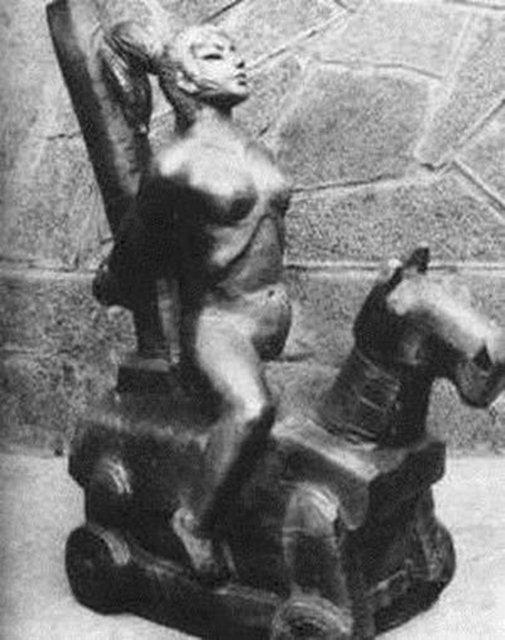 Khiếp đảm hình phạt phụ nữ ngoại tình thời cổ đại