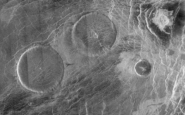 Khoa học giải thích tại sao sao Kim có rất ít núi lửa