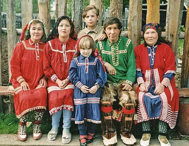 Kì cục bộ tộc có phong tục đổi vợ đổi chồng cho nhau để được may mắn