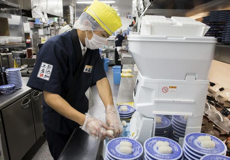 Kisaku Suzuki - Người tạo nên cách mạng ngành công nghiệp sushi trong cơn giận dữ