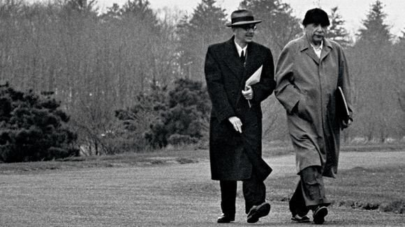 Kurt Godel - nhà bác học vĩ đại sánh ngang với Albert Einstein