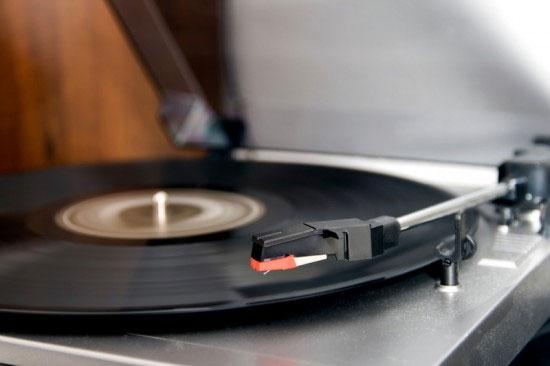 Làm đĩa ghi âm từ tro người chết