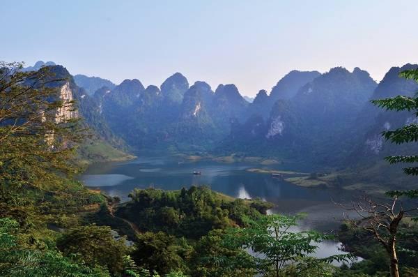Lần đầu tiên phát hiện khu mộ thời kim khí trong hang động ở Tuyên Quang