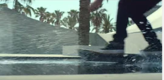 Lexus giới thiệu ván trượt đệm khí SLIDE
