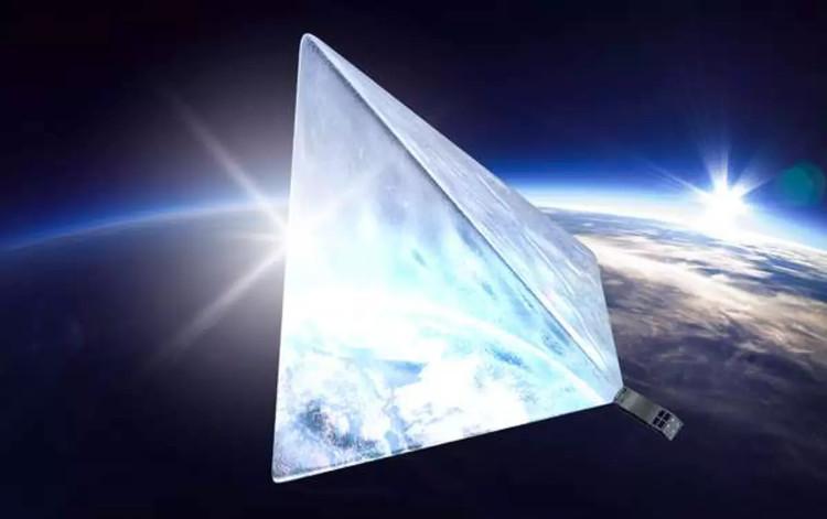 Lo ngại vệ tinh ngôi sao của Nga tỏa sáng bất thường