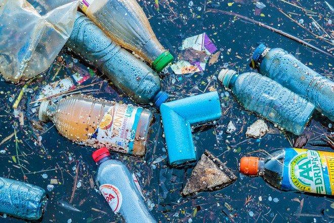 Loại enzyme kỳ diệu mới sẽ tiêu hủy nhựa như thế nào?