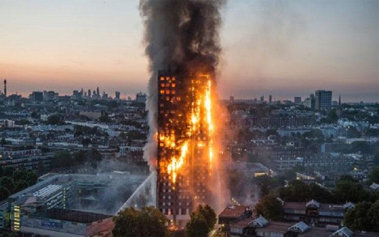 Lớp tấm ốp khiến lửa nhấn chìm chung cư London