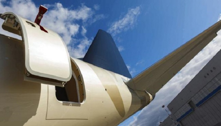 Lý do không thể mở cửa máy bay giữa không trung