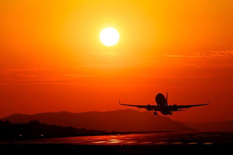 Lý do máy bay cỡ nhỏ không thể cất cánh khi trời quá nóng