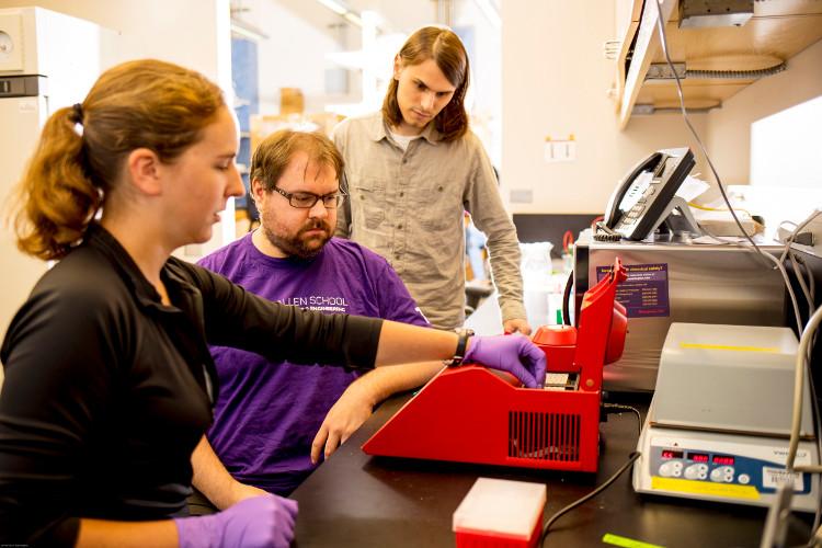 Mã độc gắn trên ADN đã lây nhiễm vào chính máy tính phân tích nó