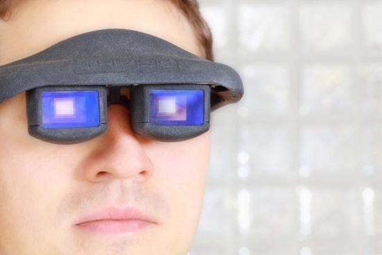 Mắt kính tự lật trang