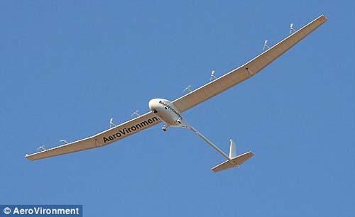 Máy bay do thám có thể bay liên tục trong 7 ngày
