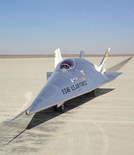 Máy bay không cánh - Tiền thân của đội tàu con thoi Mỹ