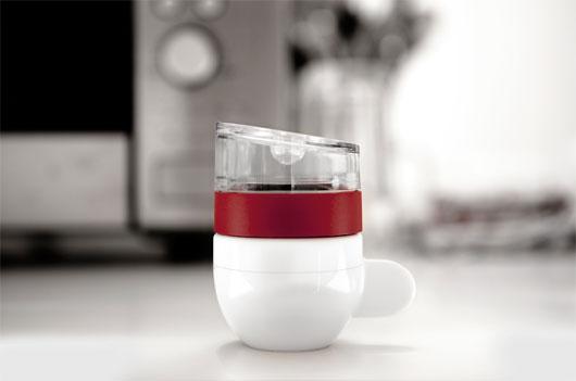 """Máy pha cà phê nhỏ nhất thế giới """"khuấy động"""" dân văn phòng"""