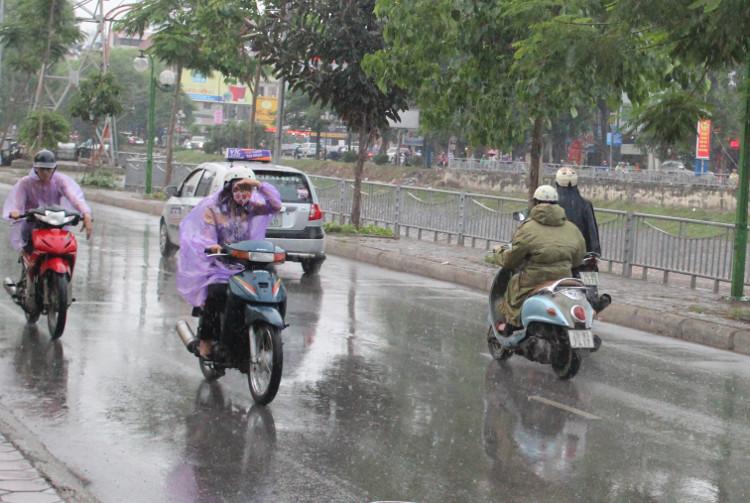 Miền Bắc nhiều vùng có mưa rào, đề phòng dông sét và mưa đá