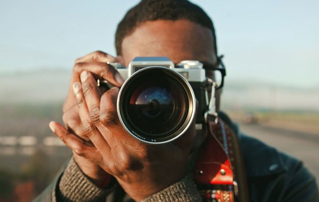Mỗi lần chụp ảnh sẽ có một hiện tượng kỳ lạ xảy ra với não của bạn mà không ai biết vì sao