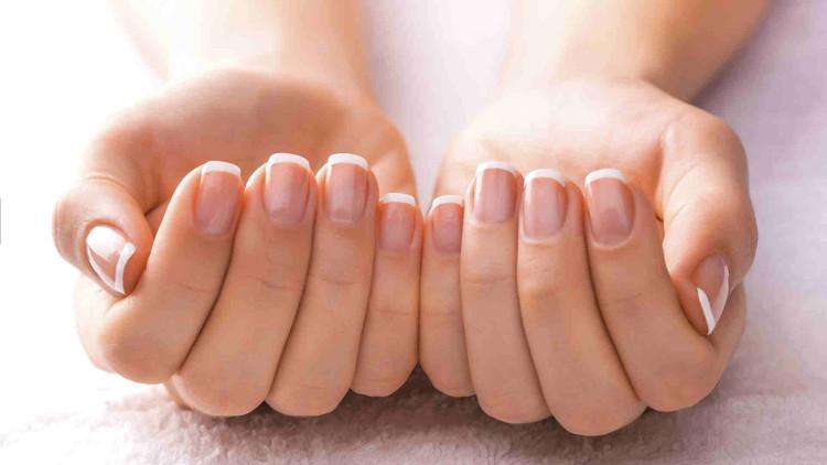 Móng tay dễ gãy: 6 nguyên nhân thường gặp và cách khắc phục nhanh chóng