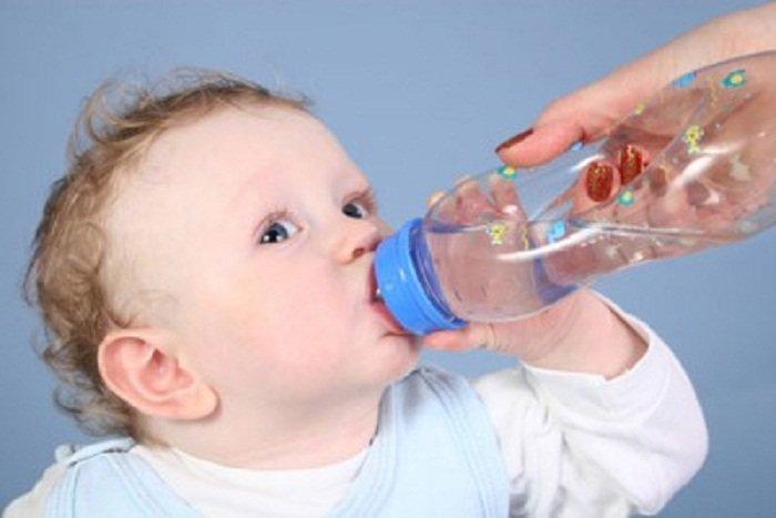 Mùa nắng nóng, phòng bệnh cho trẻ như thế nào?