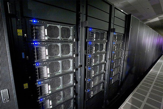 Mỹ bất ngờ sa thải siêu máy tính IBM