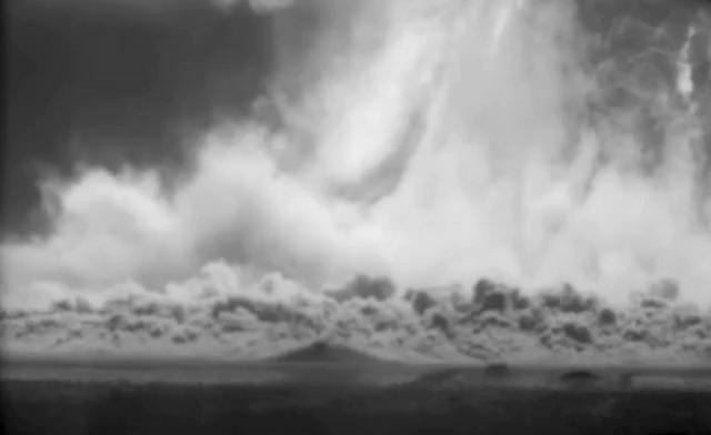 Mỹ công bố hàng trăm video thử bom hạt nhân tuyệt mật