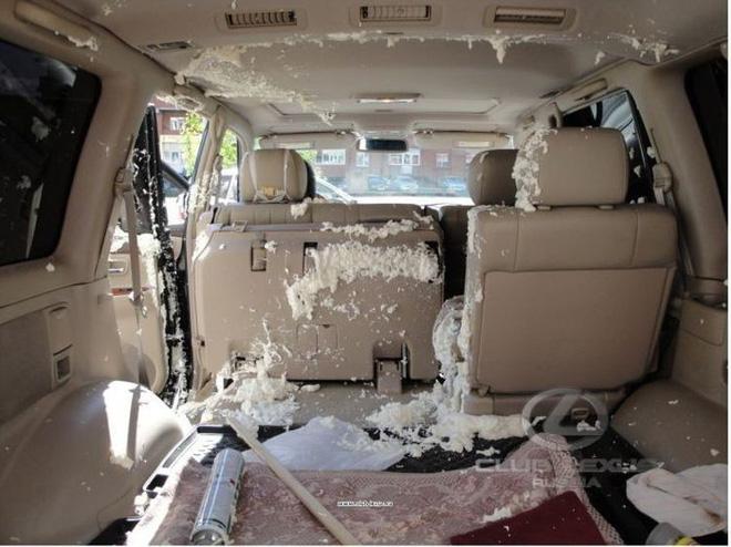Mỹ: Ô-tô suýt bị thiêu rụi vì tài xế để quên chai nước trong xe và bài học cho tất cả chúng ta