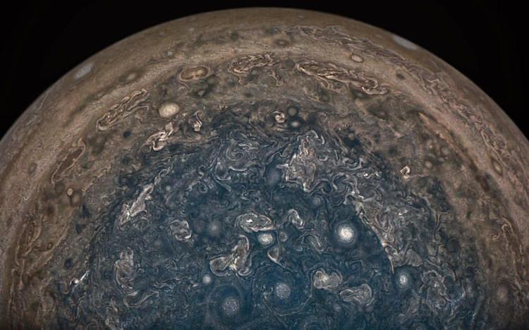 NASA công bố ảnh chụp chi tiết bề mặt cực Nam của sao Mộc do tàu Juno gửi về