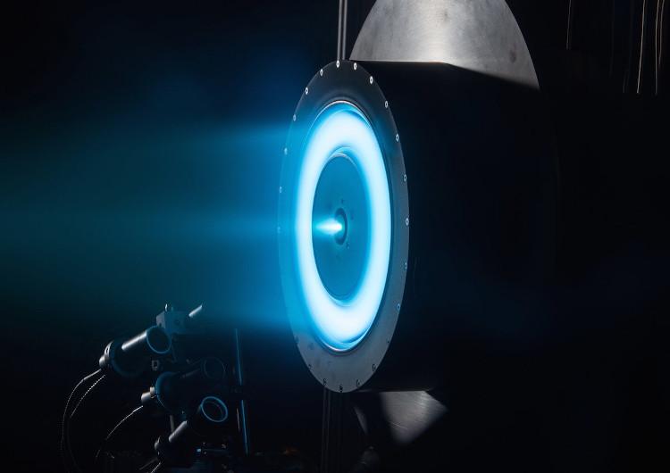 NASA thử động cơ ion có thể đưa người lên sao Hỏa