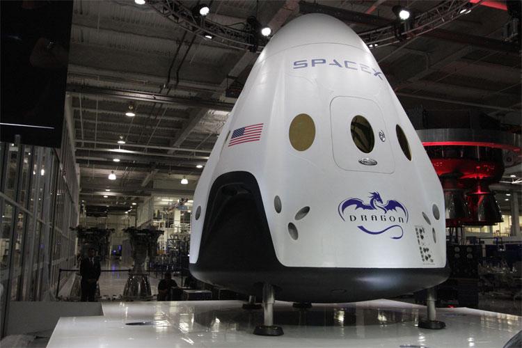 NASA và SpaceX: Ai sẽ hoàn thành sứ mệnh đưa con người lên sao Hỏa trước?