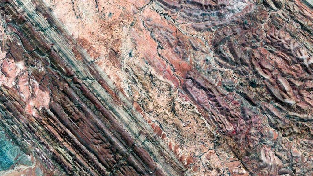 Ngắm Trái Đất huyền ảo qua ảnh vệ tinh