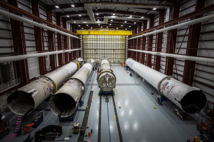 Ngày mai, SpaceX sẽ làm thay đổi lịch sử bằng sứ mệnh phóng lại tên lửa Falcon 9