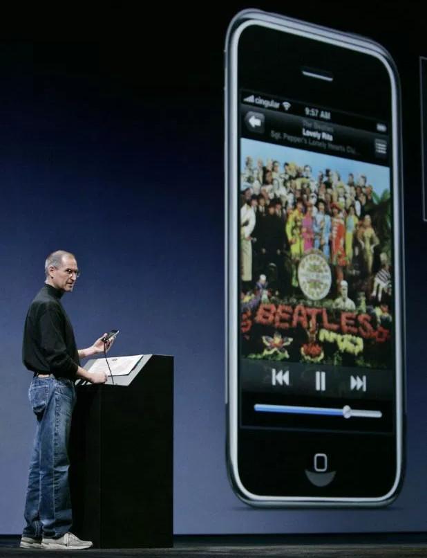 Ngày này 10 năm trước, iPhone ra đời