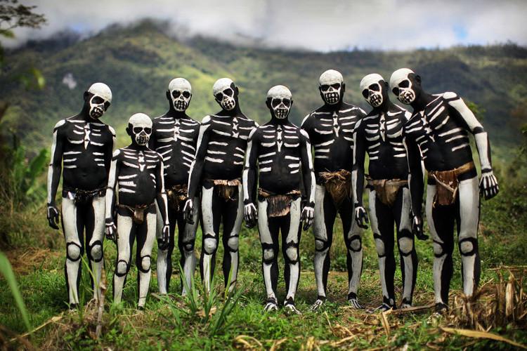 Nghi lễ vẽ xương trên cơ thể của bộ tộc Chimbu, Papua New Guinea
