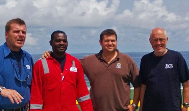 Người may mắn sống sót 60 tiếng dưới đáy Đại Tây Dương trước khi được thợ lặn giải cứu