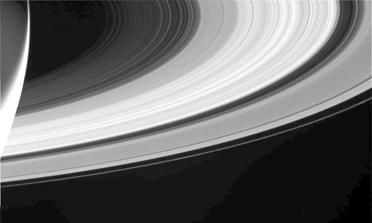 Những bức ảnh cuối cùng của tàu Cassini trong sứ mệnh sao Thổ