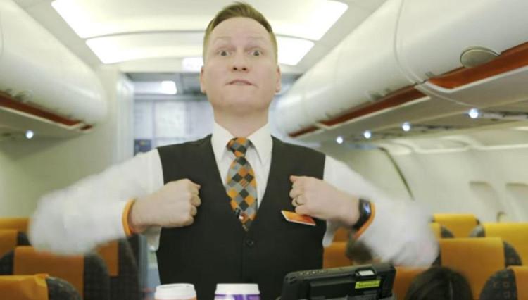 Những ký hiệu khó hiểu giữa các tiếp viên trên máy bay