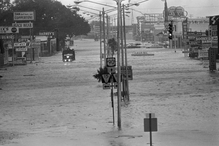 Những siêu bão khốc liệt nhất lịch sử Đại Tây Dương