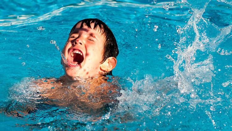 Những sự thật đáng giật mình bạn cần biết trước khi đi bơi