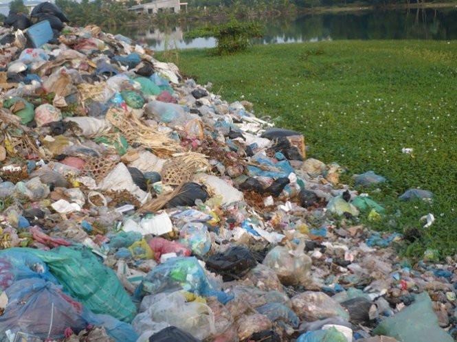 Ô nhiễm trắng do túi nilon gây ra cho môi trường
