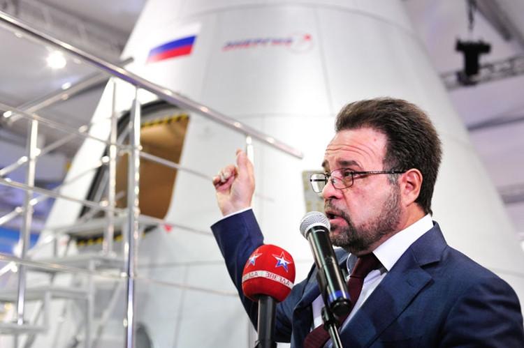 Ông trùm vũ trụ nước Nga tuyên bố người Nga sẽ về đích trước SpaceX