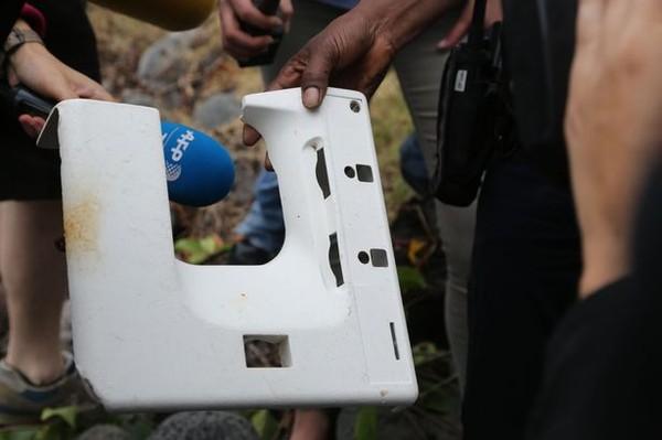 Phát hiện thêm khung cửa sổ máy bay trên đảo Reunion