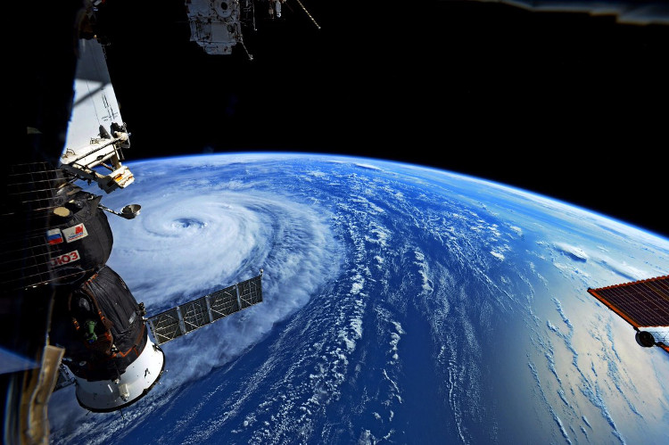 Phi hành gia chụp ảnh siêu bão càn quét Thái Bình Dương