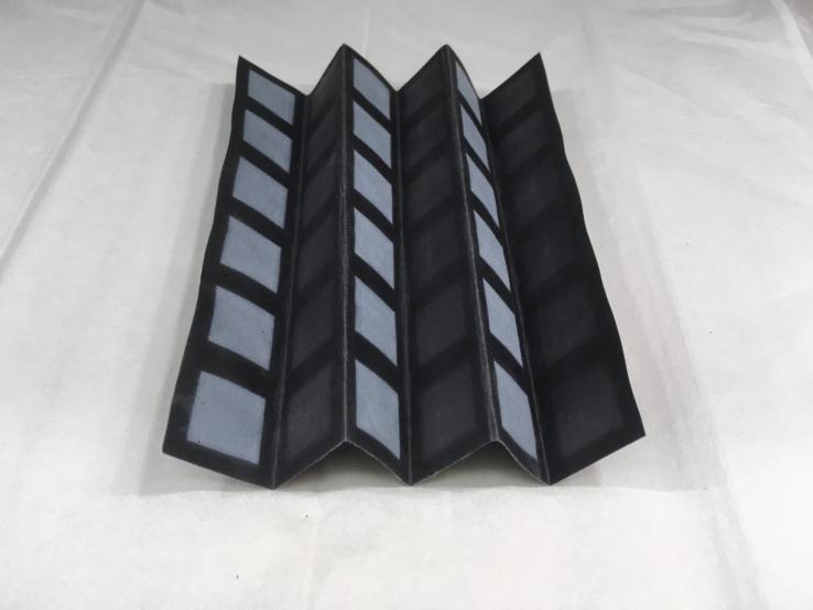 Pin giấy tạo ra điện nhờ vi khuẩn nước thải