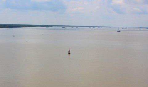 """Quái kiệt săn cá ngát sông Hàm Luông: Hết gặp tử thi đến chạm mặt """"tử thần"""""""