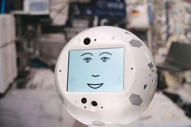 Robot lên không gian hỗ trợ phi hành gia