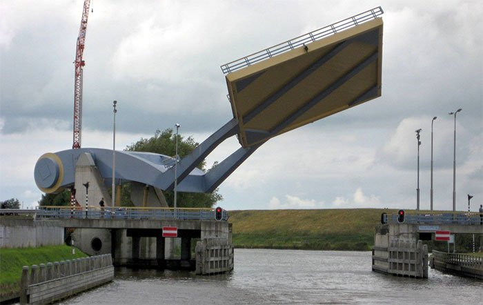 Slauerhoffbrug: Cây cầu biết bay ở Hà Lan